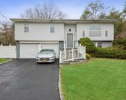 27 Manchester  Boulevard, Wheatley Heights image