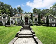 1 Castle Hill Court, Upper Saddle River image