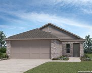 128 Middle Green Loop, Floresville image