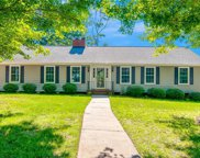 606 Ravenhill Court, Clemmons image