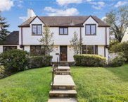 14 Robin Hill  Road, Scarsdale image