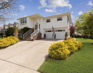 4 Adair Ct, Malverne image