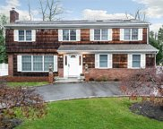 261 Berry Hill Rd, Syosset image