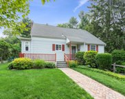 201 Old Wilmot  Road, Scarsdale image