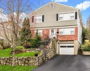 15 Young  Place, Tuckahoe image