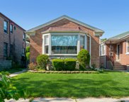 2446 W Jarvis Avenue, Chicago image