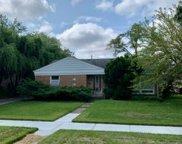 4601 Larch Avenue, Glenview image