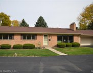 124 E HICKORY GROVE RD APT 20, Bloomfield Hills image