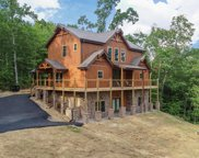 2325 Coopers Hawk Way, Sevierville image