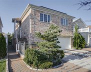 150-27 3rd Ave, Whitestone image