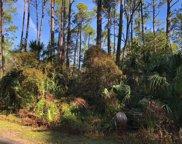 14 Lakeview  Lane, Harbor Island image
