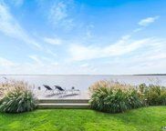 8 Inletview Pl, Center Moriches image
