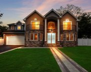 43 A Narcissus Dr, Syosset image