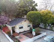 650 Clinton St, Redwood City image