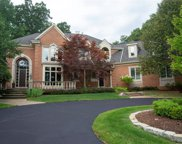 1529 Scenic Hollow Dr, Rochester Hills image