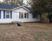 1051 Hilltop Rd, White House image