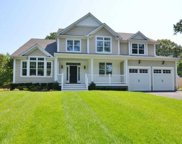 137 Little Neck Rd, Centerport image