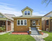 3627 North Linder Avenue, Chicago image