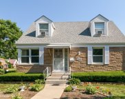 2445 South 19Th Avenue, Broadview image