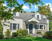 194 Clayton  Road, Scarsdale image