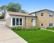4635 W Lake Avenue, Glenview image