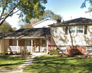 414 Middlesex Court, Buffalo Grove image