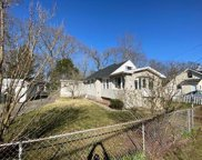 223 Saint James Pl, Northfield image