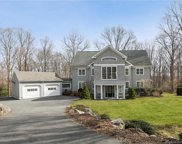 304 Chestnut Hill  Road, Wilton image