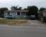 220 Nw 67th Ave, Miami image