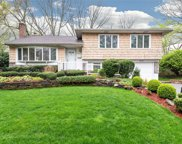 48 Simpson Dr, Old Bethpage image