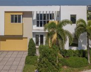 7640 Nw 101st Court, Doral image