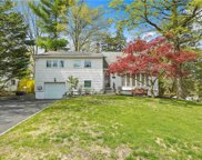 2 Standish  Place, Hartsdale image