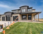 2717 S Moss Stone Ave, Sioux Falls image