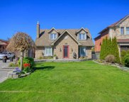 566 Rougemount Dr, Pickering image