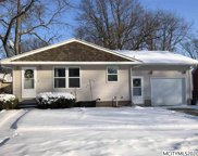 1008 S 3rd St, Clear Lake image