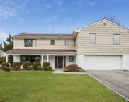 150 Old Courthouse Rd, Manhasset Hills image