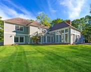 34 Hedges Banks Dr, East Hampton image