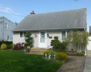 2351 Willow St, Wantagh image