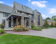 634 W Hickory Street, Hinsdale image