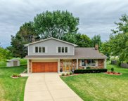 633 East Independence Court, Arlington Heights image