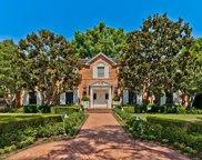 910   N Roxbury Drive, Beverly Hills image