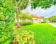 2792 Oakview Way, Davie image