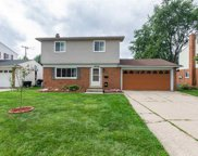 38549 Warwickshire, Sterling Heights image