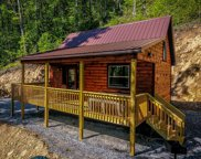 11 Mountain Creek Crossing, Bryson City image