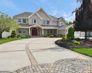 84 Evergreen Ave, Bethpage image