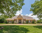 2555 Halle, Collierville image