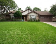 2922 Southridge Drive, Grapevine image