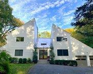 34 Pin Oak  Circle, Stamford image