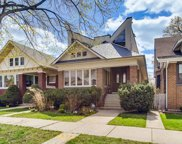 5337 W Belle Plaine Avenue, Chicago image
