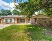 6609 Circleview Court, North Richland Hills image